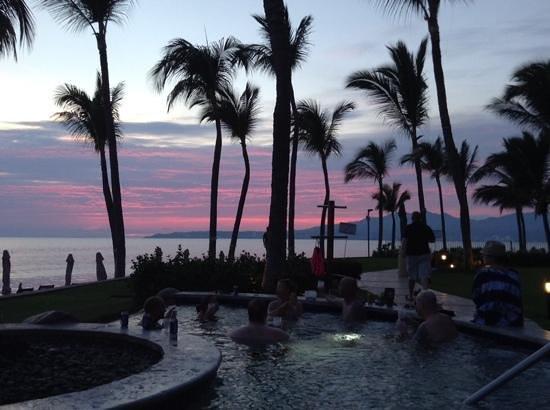 Villa del Palmar Flamingos: sunset view from hot tub