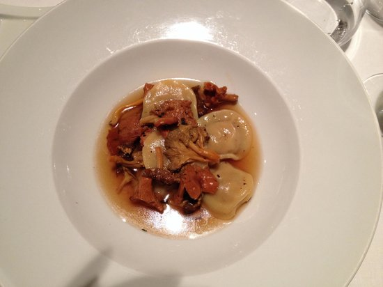 Son Brull Hotel & Spa : Wild mushroom ravioli with fowl consommé @ 3|65
