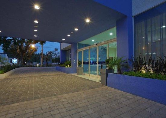 Hampton Inn by Hilton Guadalajara/Expo: Motor Lobby