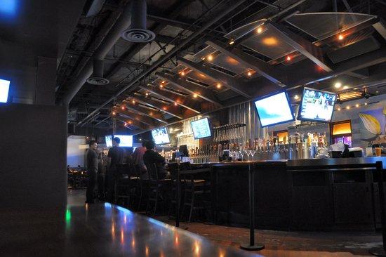 Yard House: Bar
