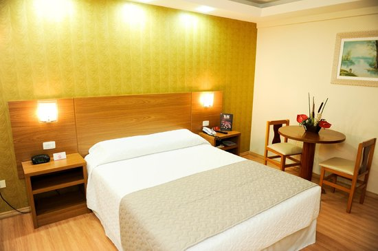 Hotel Rafain Centro: Apartamento Luxo