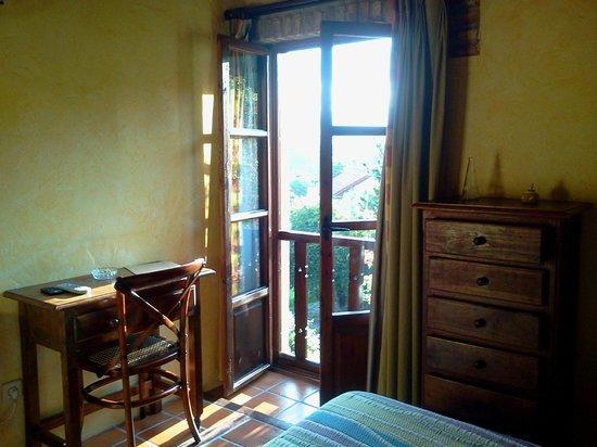 Hotel Rural Valleoscuru: Habitación de la Xana