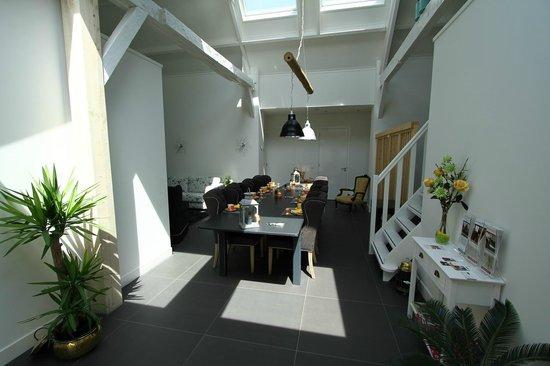 Kamerverhuur en Appartement De Dorsvloer: Der Frühstücksbereich