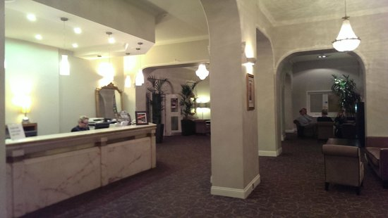 The Montenotte Hotel: hall