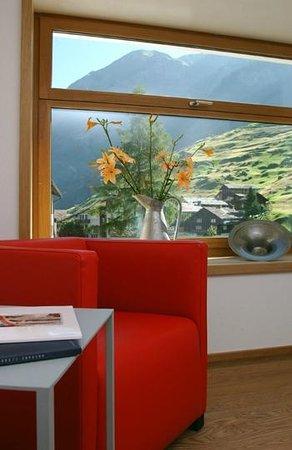 Hotel Alpina Vals: Public Area