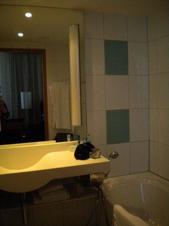 Hotel Novotel Den Haag City Centre: Bad