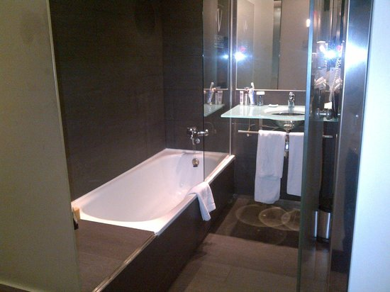 Vincci Maritimo Barcelona: bathroom