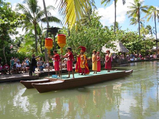 Polynesian Cultural Center: Hawaiian float