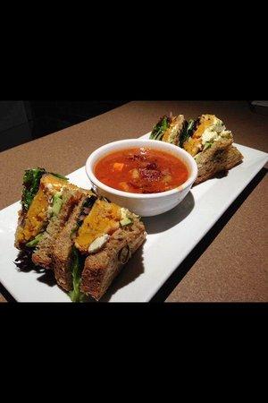 Moose Mulligans: New roasted squash veggie sandwich