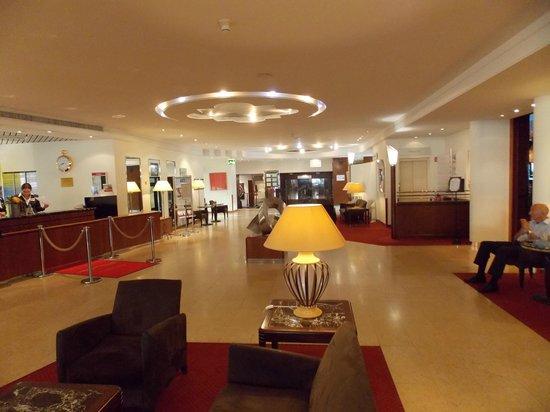 Crowne Plaza Hotel Zürich: SALONES