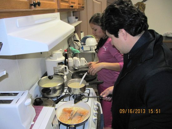 3 Dog Night Hostel : Cooking
