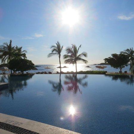 The St. Regis Punta Mita Resort: Vista da Piscina 1