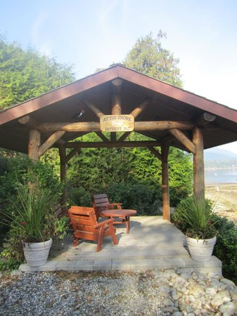 At The Shore B&B: Gazebo