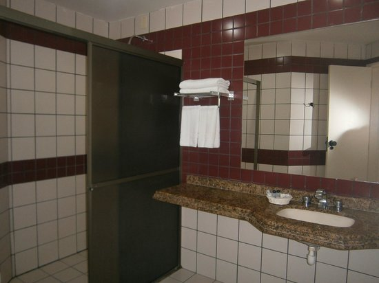 32-Praia Brava Hotel: baño