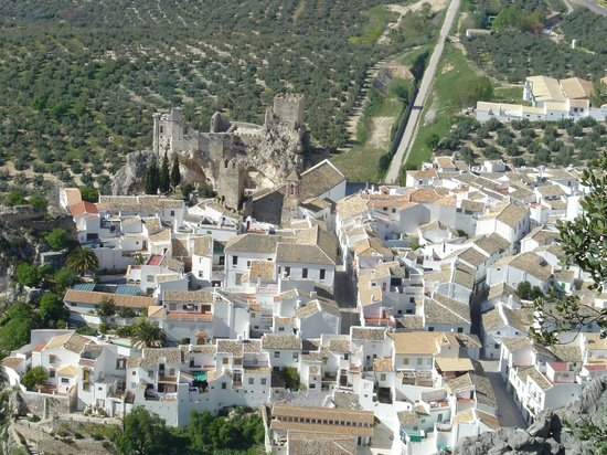 Zuheros, Spain: Vista desde el Mirador de la Atalaya