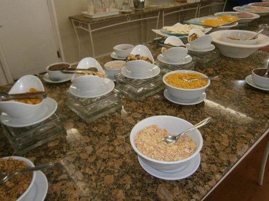 24-Praia Brava Hotel: desayuno