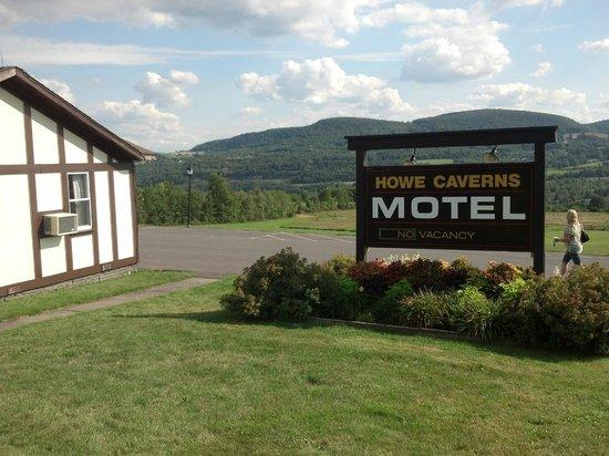 Howe Caverns: Motel