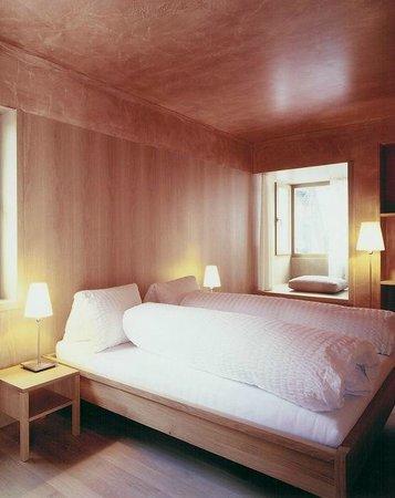 Hotel Alpina Vals: Zimmer