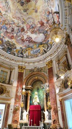 Basilica de la Virgen de los Desamparados: Ceiling