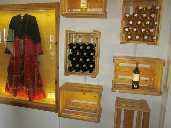 Winery Dourakis: the shop