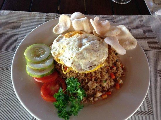 Cocotinos Manado: Breakfast