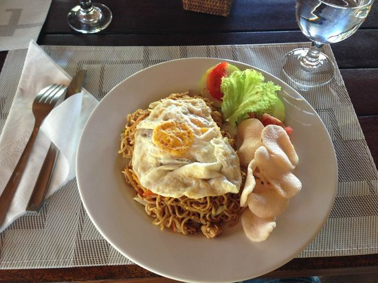 Cocotinos Manado: 朝ご飯