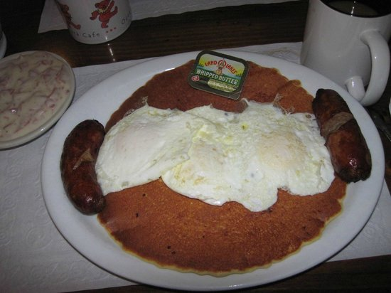 Sahara Cafe: pancakes and sausages with eggs over easy
