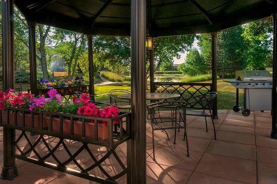 Boulder Twin Lakes Inn: New Gazebo