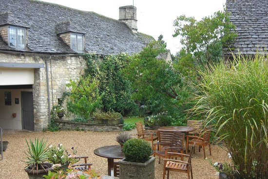 The Lamb Inn Restaurant: The Garden Terrace