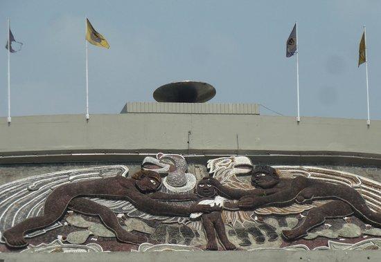 Ciudad Universitaria: Mural de Diego Rivera en el estadio