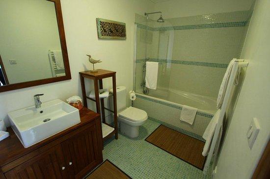 Villa Le Port d'Attache : Badezimmer