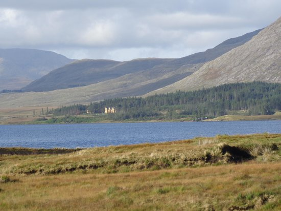 Lough Inagh Lodge: lodge from a distance