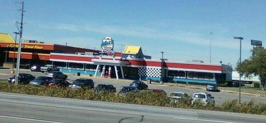 Max's Highway Diner Bosselman's