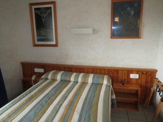 Hotel S'Aguarda : The room
