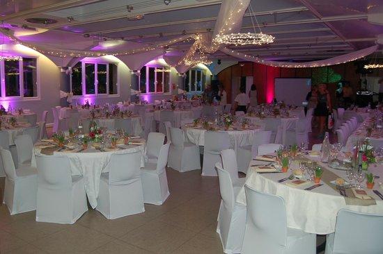 Préférence La salle décorée pour notre mariage - Photo de Résidence  UF01