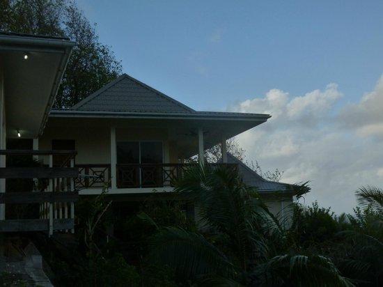 Devon Residence: BUNGALOW #2