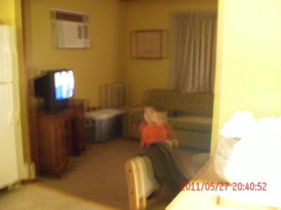 Muir Lodge Motel: room/suite
