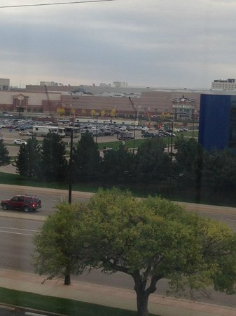 Minneapolis Airport Marriott : Mall of America across the street