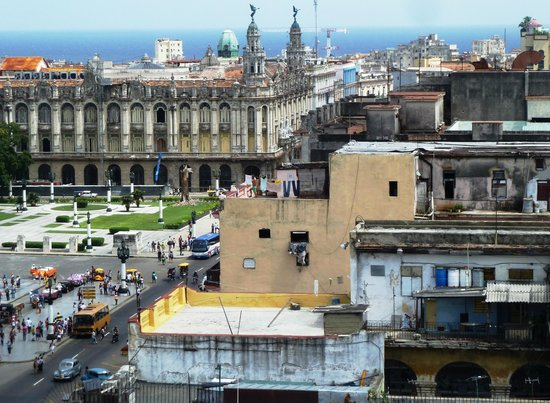 Paseo del Prado: Pº Prado desde el Saratoga, edificio del Gran Teatro de La Habana García Lorca