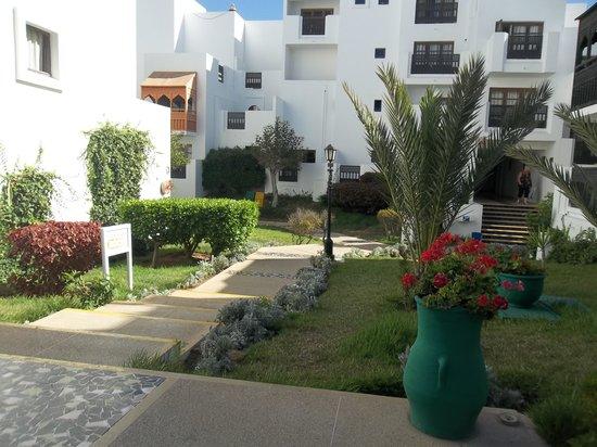 Agador Tamlelt: general hotel grounds