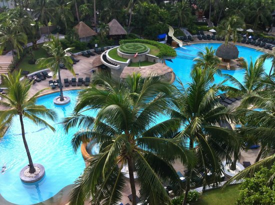 Hilton Hua Hin Resort & Spa : View of the pool from the room