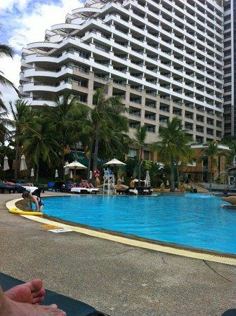 Hilton Hua Hin Resort & Spa : Sitting by the pool