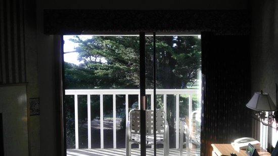 Lighthouse Lodge & Cottages: Balcony and view