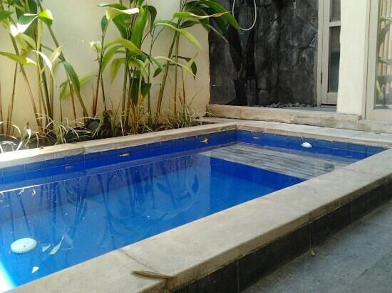 BEST WESTERN Kuta Villa: piscine privée de la villa avec piscine