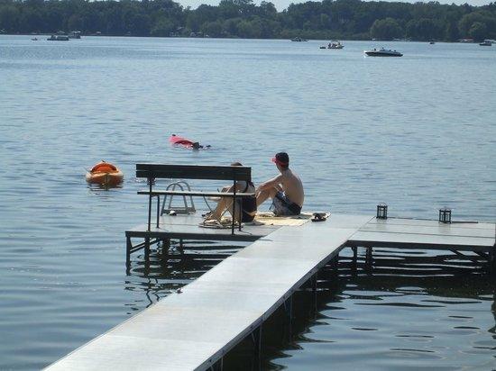 Lake Ripley Lodge Bed & Breakfast: Kayak, canoe, swim and fish aat Lake Ripley Lodge