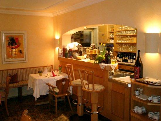 Hotel Jägerhof: Unsere kleine Bar in der Restaurant-Stube