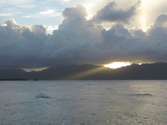 Vue sur le coucher du soleil et montagnes du El Cabito