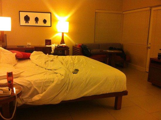 Sheraton Fiji Resort: The bedroom at night