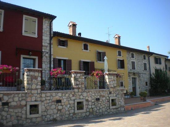 Corte Tamellini: alloggi