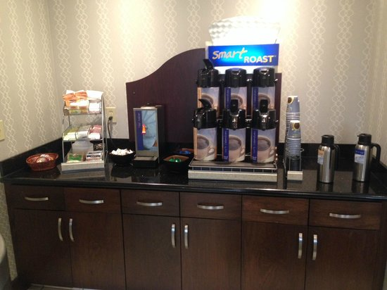 Holiday Inn Express & Suites Greenfield: 24hr Coffee Station